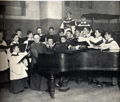 Sir Richard Terry and the choir in 1910