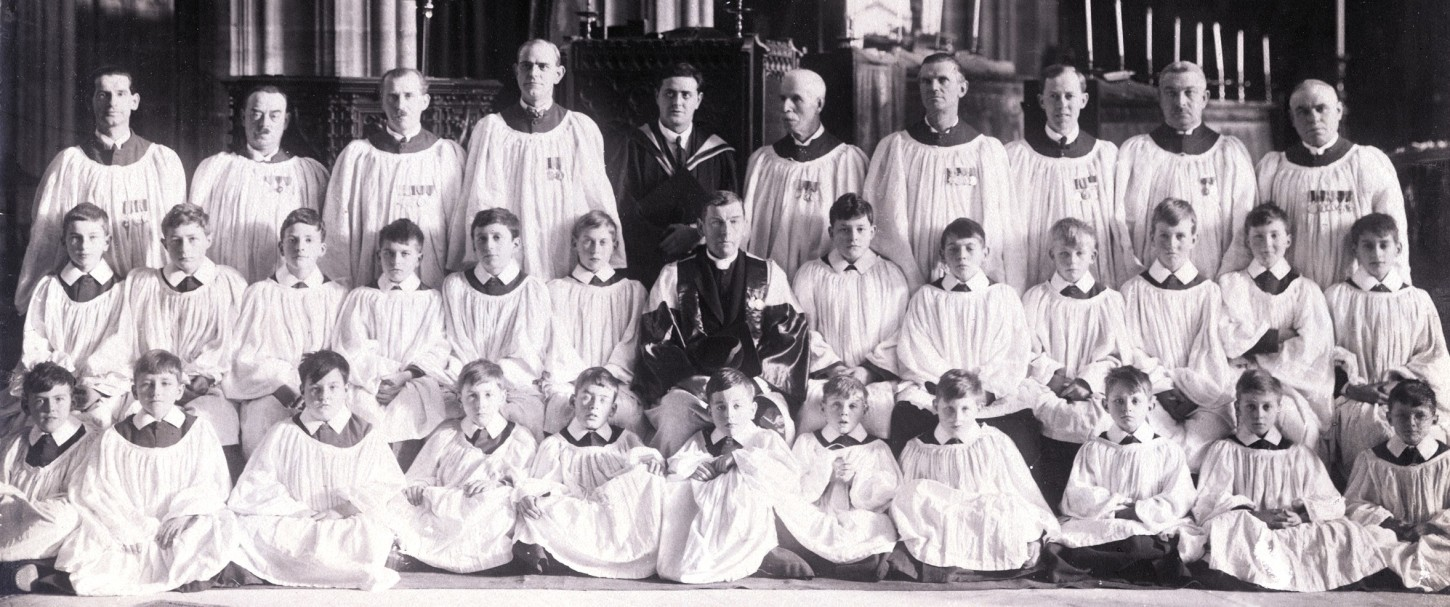 The choir with Edmund H Fellowes & Malcolm Boyle in 1926